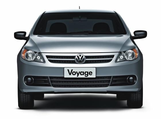 Volkswagen-Voyage-01