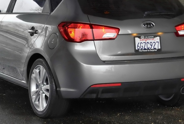 Kia-Cerato-Forte-Hatchback-02