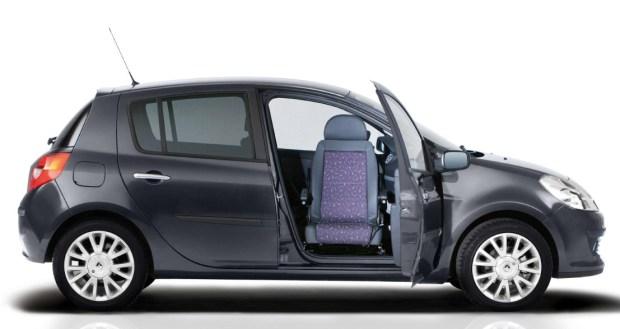 Renault-Clio-III-con-asiento-giratorio-00