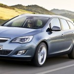 opel-astra-sports-tourer-2010-00