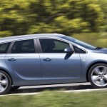 opel-astra-sports-tourer-2010-02