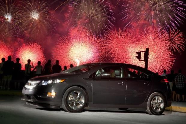 Chevrolet-Volt-2011-01