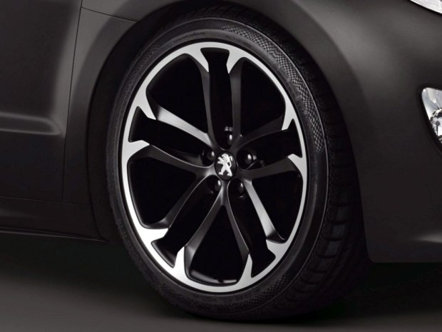 Peugeot RCZ Black Asphalt_04