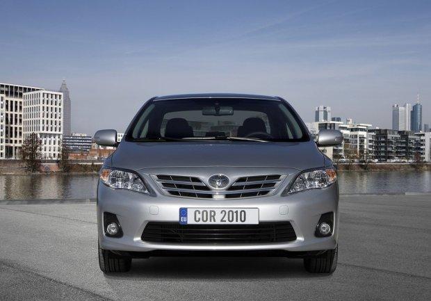 Toyota-Corolla-2011-00