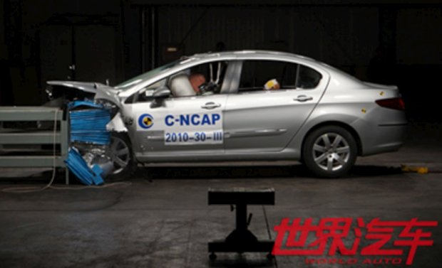 peugeot-408-crash-test-01