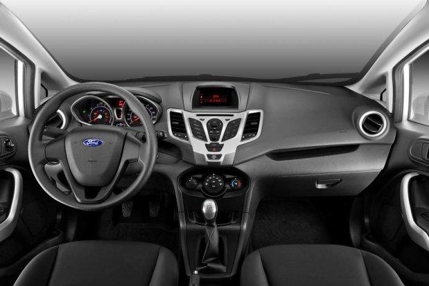 Ford-Fiesta-Kinetic-Design-Sedan-01