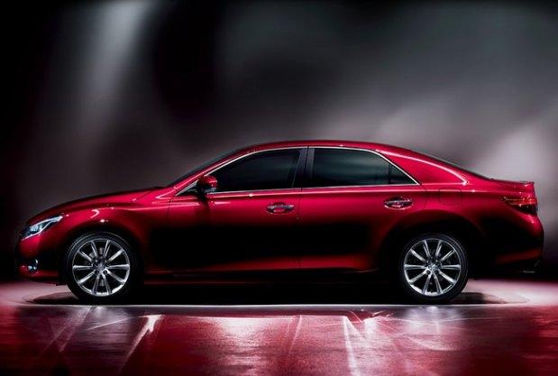 Toyota-Mark-X-2013-4