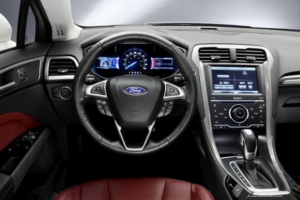 ford-mondeo-2013-6