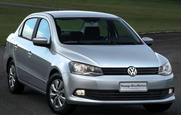 Volkswagen-Voyage-2013-2