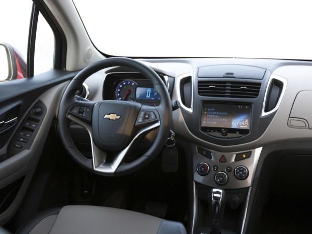 Chevrolet-Tracker-4