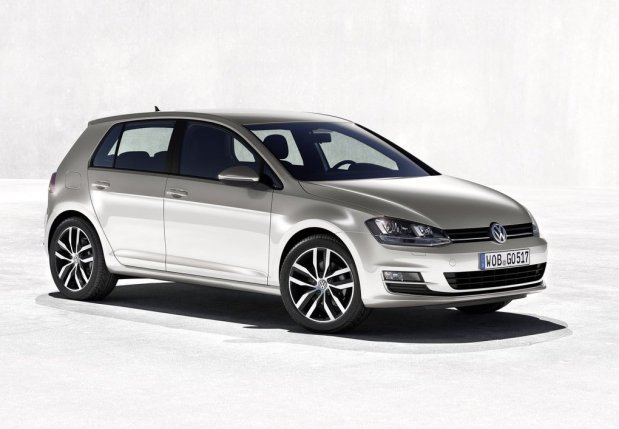 Volkswagen-Golf_VII_2013_2