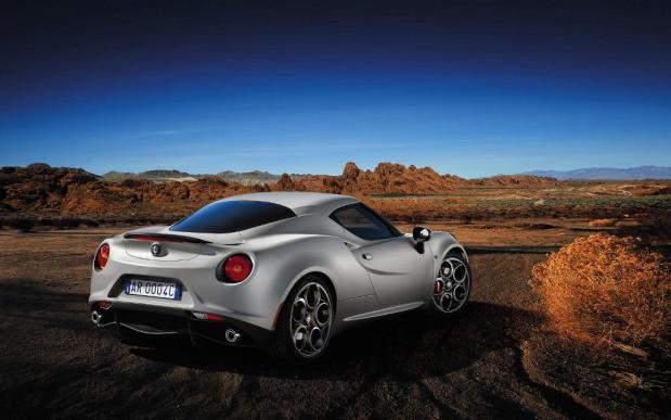 Alfa-Romeo-4C-Launch-edition-10