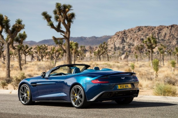 Aston-Martin-Vanquish-Volante-2