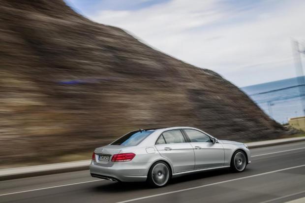 Mercedes-Benz-Clase-E350-BlueTec-3