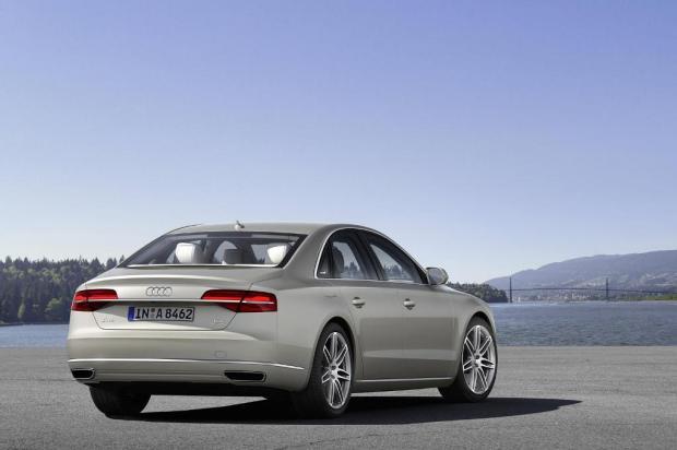 Audi-A8-gama-2014-5