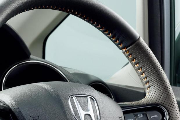 Honda-Fit-Shuttle-2013-3