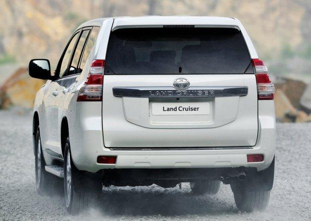 Toyota-Land_Cruiser_2014_3