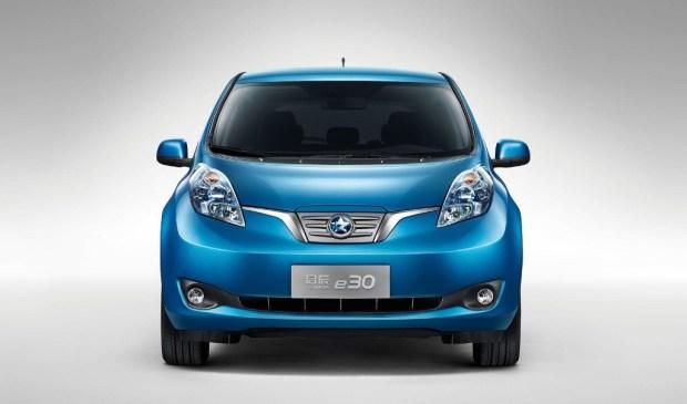 Nissan-Venucia-e30-1
