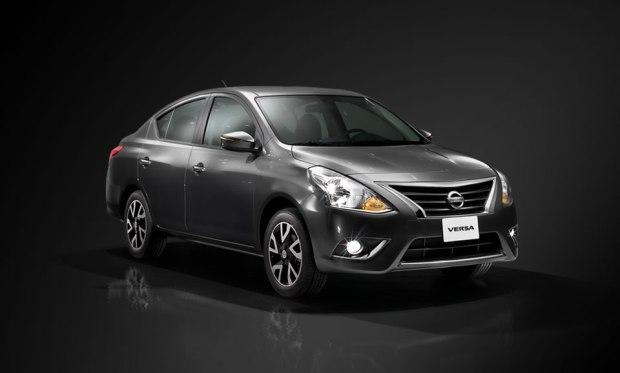 Nissan-Versa-2015-1