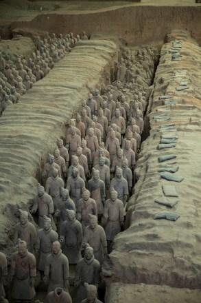 Diversas fileiras de soldados