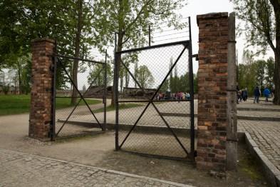 O portão para as câmaras de gás