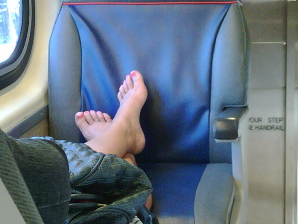 caltrain_feet