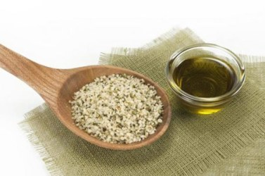 hemp-oil-and-seeds