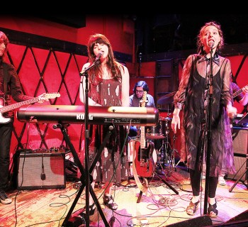 Alexa Wilding live review - photo by Mark Shiwolich