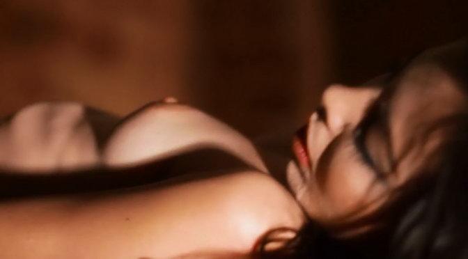 Kinky - Inmovil (Uncensored) HD Video