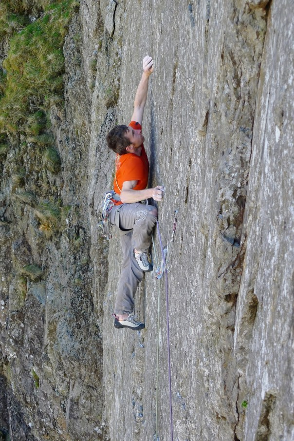 Caff fully committed on 'Margins of the Mind', E7/8 6c. Photo- Calum Muskett