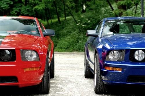 Mustang S197, wersja V6 i V8