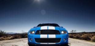 ford-shelby-gt500-2010-overview-road-center_w800