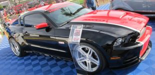 19-black-ford-mustang-helanor