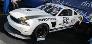 5-white-ford-mustang-toyo