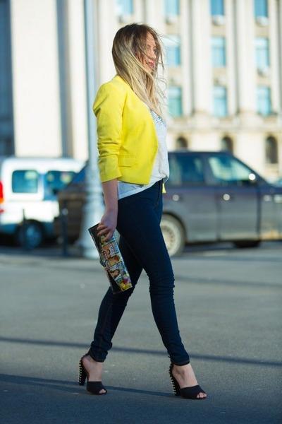 stradivarius-jeans-yellow-h-m-jacket-random-brand-bag-white-zara-t-shirt_400