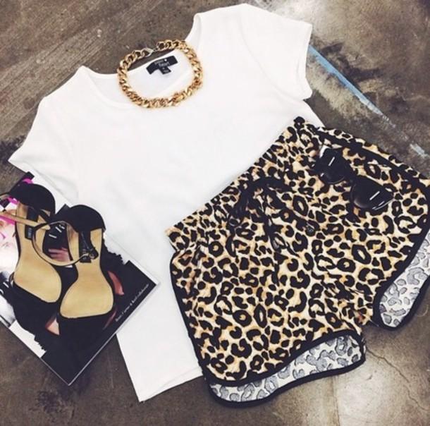 zephr9-l-610x610-shorts-rihnna-hot-sexy-cute-joggers-sport-nike-dope-swag-booty+shorts-leopard+print-shoes-riri-jewels-t+shirt-s