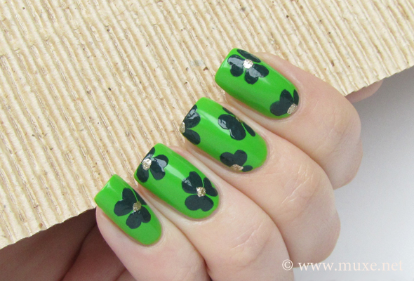 St/ Patrick green nails design