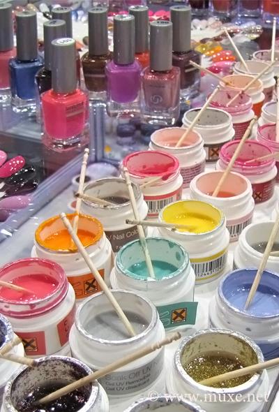 Acrylic colors UV