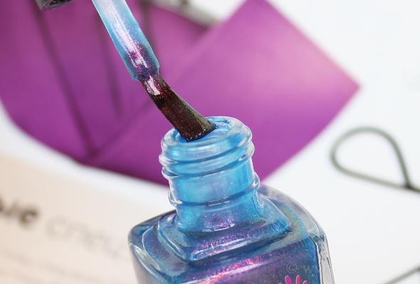 Colors by Llarowe brush nail polish