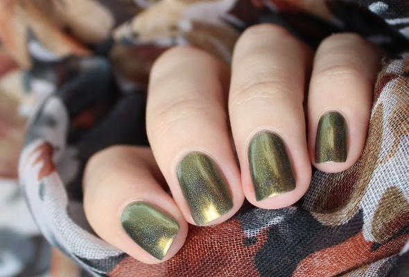 Green holo chrome nail polish