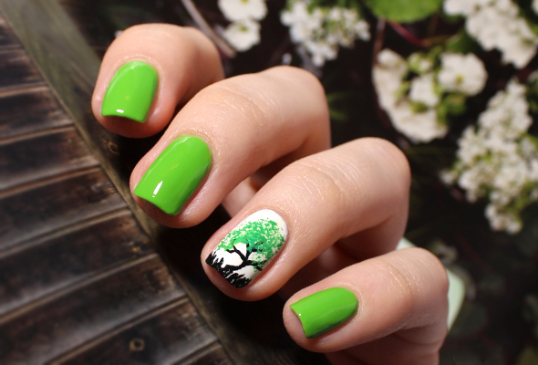 Green spring tree nail design
