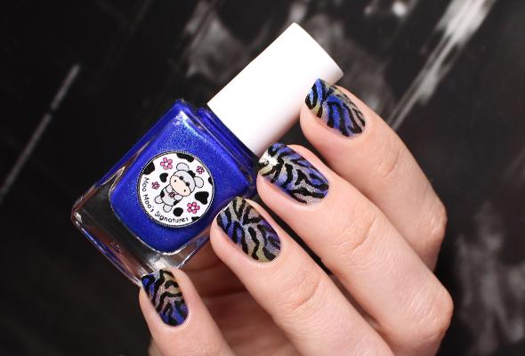 Zebra print nail design