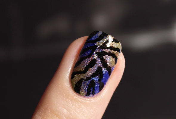 Moo Moo nail polish design