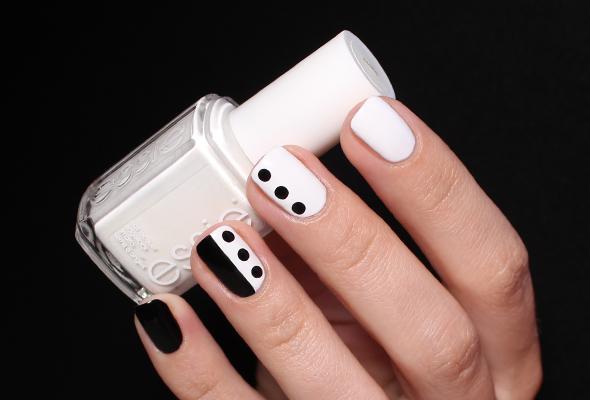 Black white dots nails
