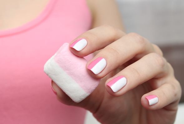 Pink and white chamallow nails