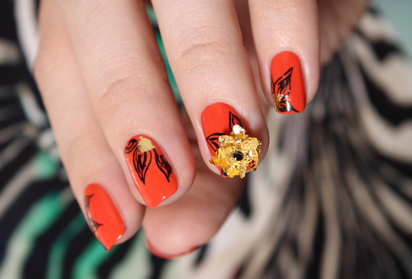 Halloween flowers orange and black nail design
