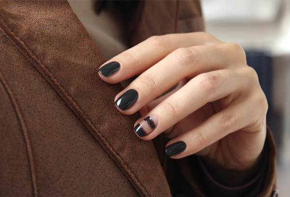 Dark khaki nails