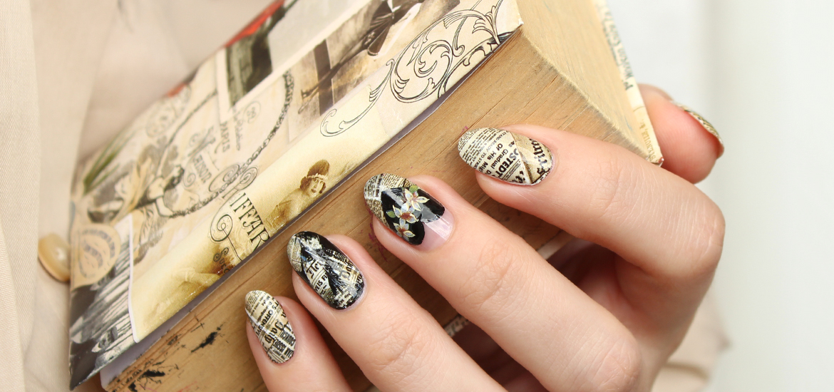Vintage newspaper nails design