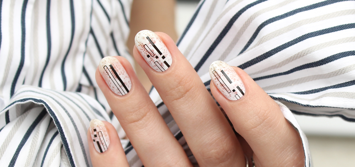 Black and white stripes nail design