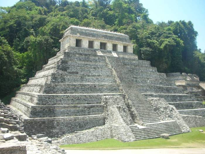 Palenque - archelogical site surrounded by the jungle